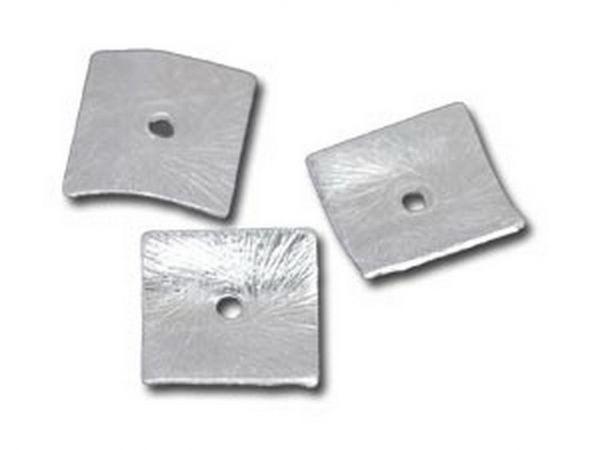 100 Stück Silbereffekt Element Quadrat gewellt 10mm, Bohrung 1.2mm