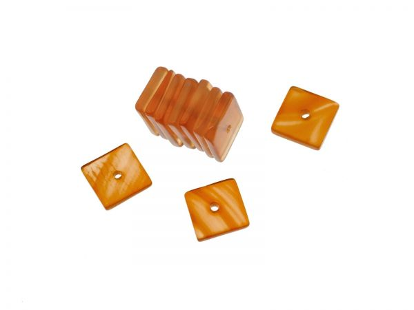 Carneol Quadrat ca. 8x8mm, ca.1,5mm dick, Bohrung ca.0,6mm, Packung 10 Stück