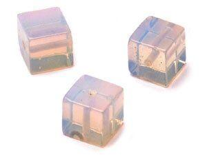 Strang moonstone imit. Würfel ca. 8mm, ca.48Stk